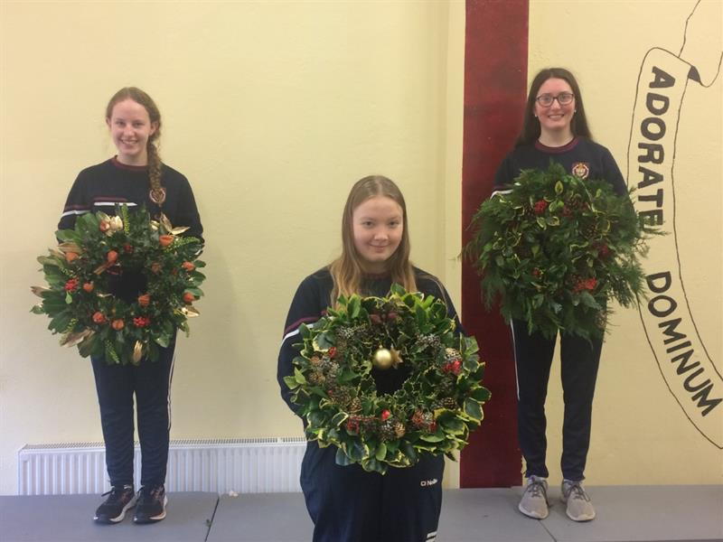 TY students Elaine O'Connell, Aisling O'Sullivan & Blathnaid Deegan with their hand-made Christmas Wreaths.jpg